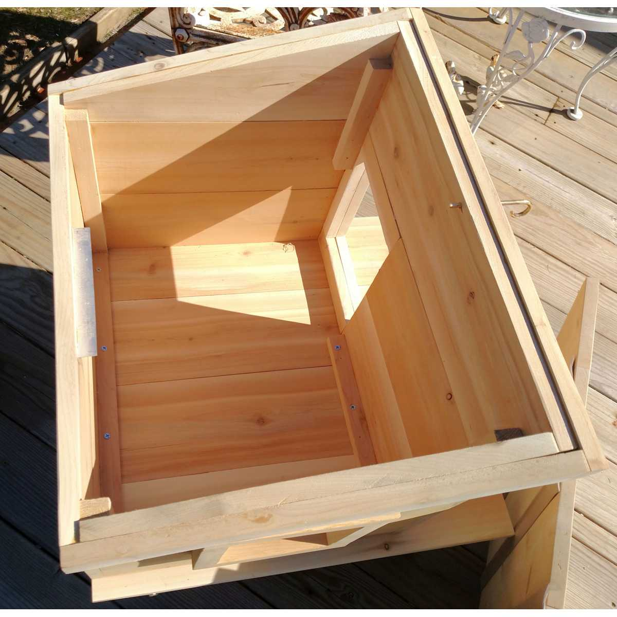 Outdoor Cedar Wood Cat House Shelter