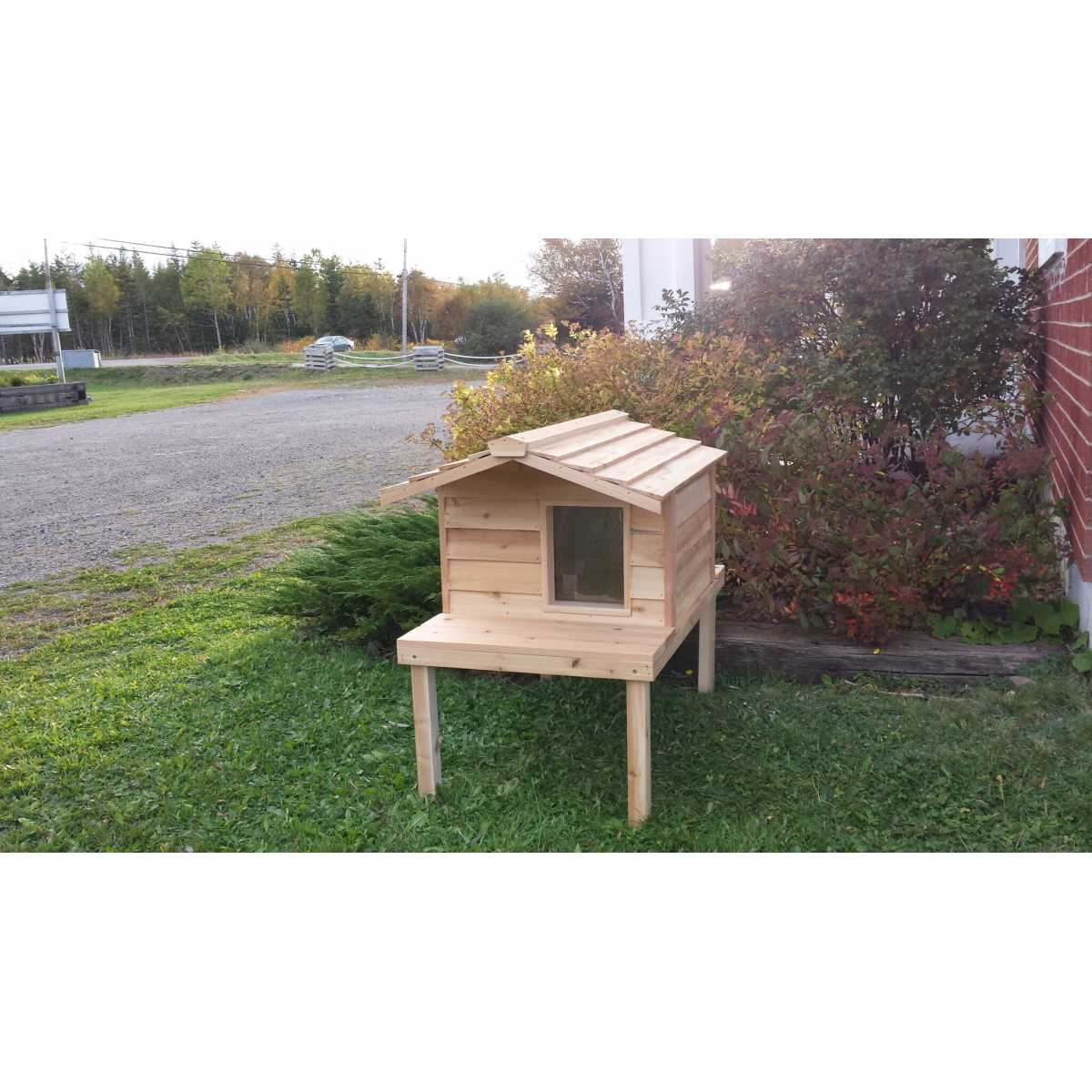 Large Cedar Insulated Cat Or Small Dog House With Deck And