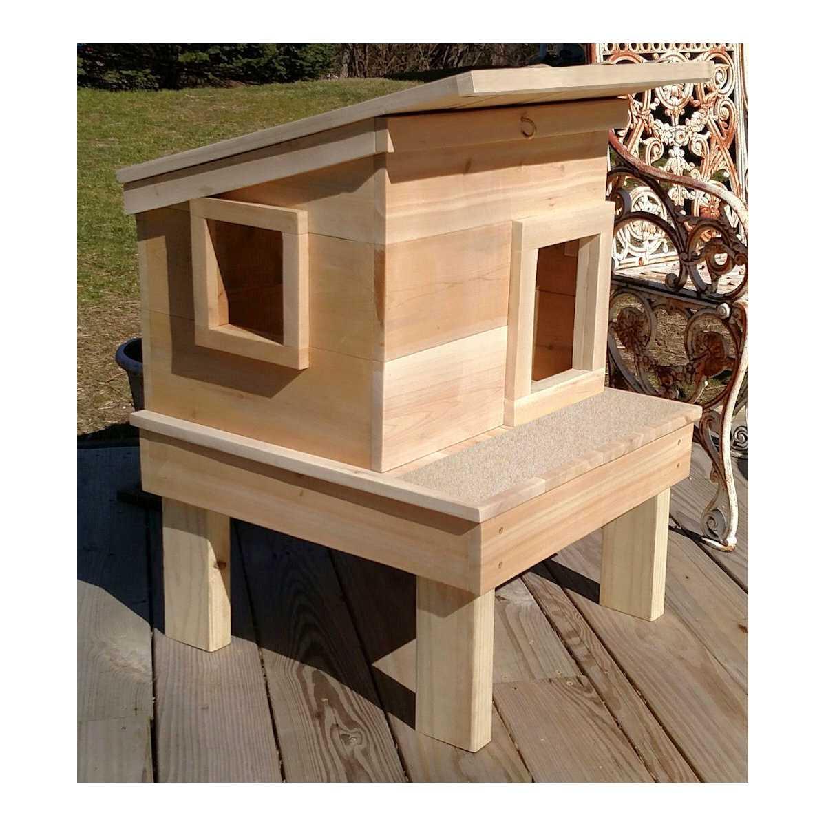 Outdoor Cedar Wood Cat House Shelter